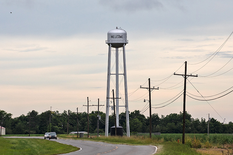 Water tower in Welcome, Louisiana