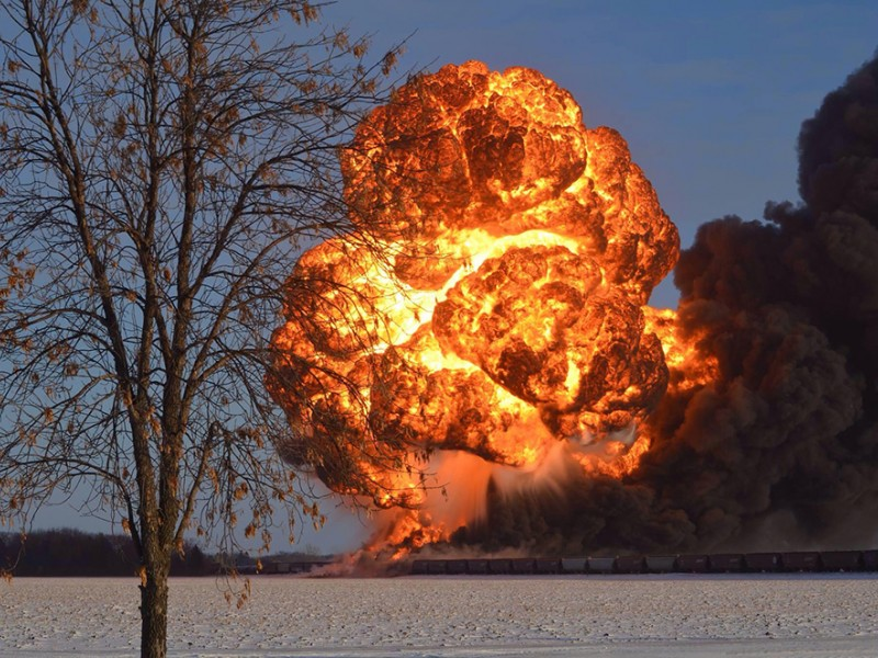 Exploding oil train fireball in Casselton, North Dakota